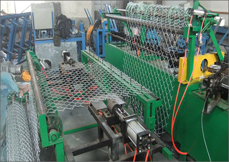 12.5 gauge galvanized wire chain link fence making machine