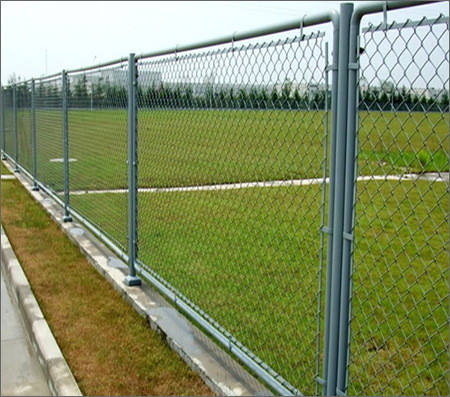 5x5 cm hole chain link fence
